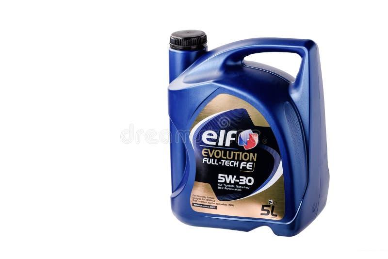 Chernivtsi/de Oekraïne - 12 27/2018: Motorolie in typische die vijf-liter een container door ELF wordt vervaardigd Voor Renault-a stock fotografie