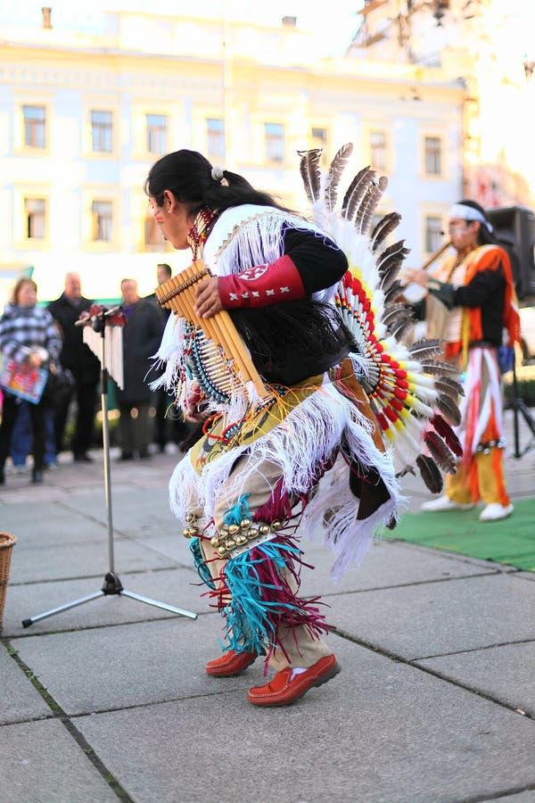 CHERNOVTSY, УКРАИНА, 22-ое октября 2010: Перуанский стоковые фотографии rf