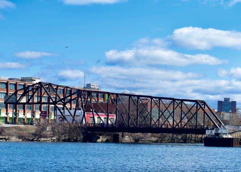 Cherry Avenue Bridge fotos de stock