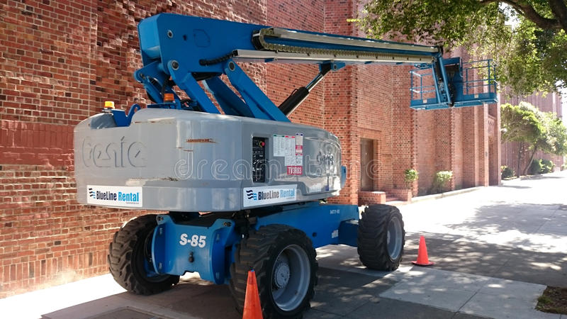 Cherry Picker Mobile Lift Platform arkivfoton