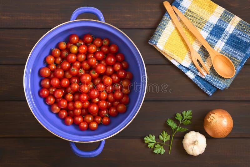 Cherry Tomatoes no filtro fotografia de stock royalty free