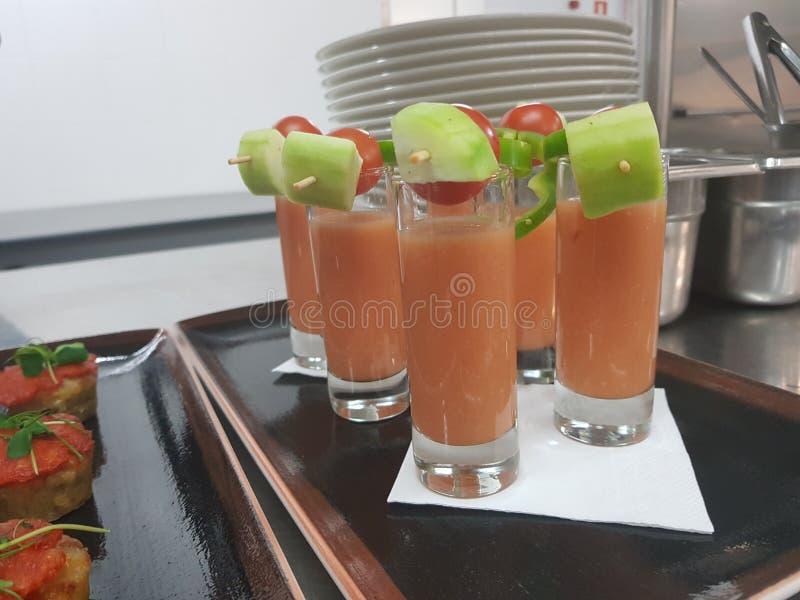 Cherrys de gaspacho d'Apperitive images libres de droits