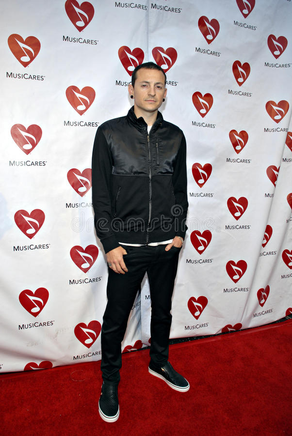 Download Chester Bennington (Linkin Park) On The Red Carpet Editorial Photo - Image: 15401536
