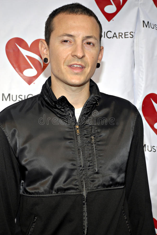 Chester Bennington (Linkin Park) sur le tapis rouge photo libre de droits