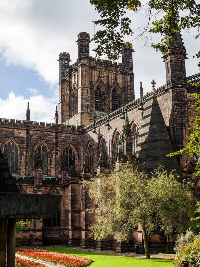 CHESTER CHESHIRE /UK - 16 SEPTEMBRE : Jardins de cathédrale à Cheste images stock