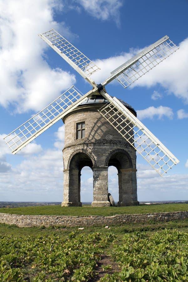 Chesterton molino de viento 25 de marzo de 2016 imagenes de archivo