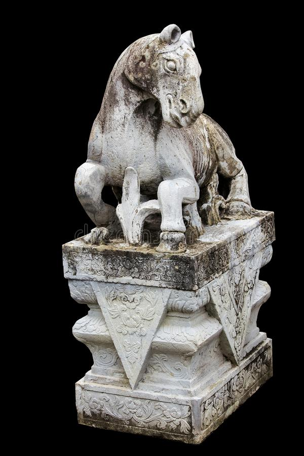 Cheval en pierre découpé sur la plate-forme avec le style chinois image libre de droits