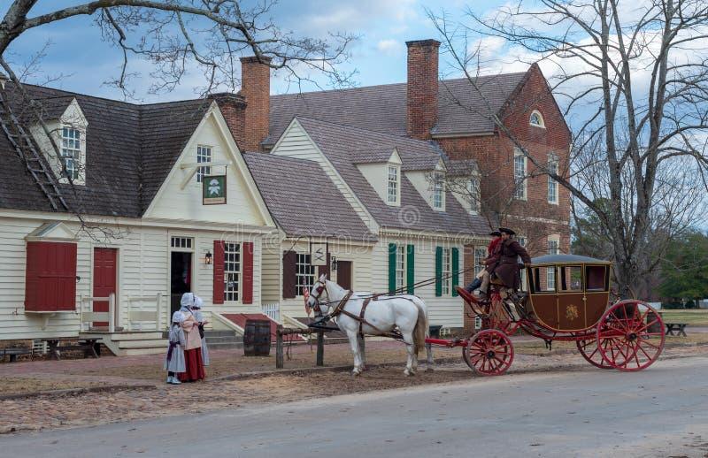 Cheval et chariot à Williamsburg colonial photographie stock libre de droits