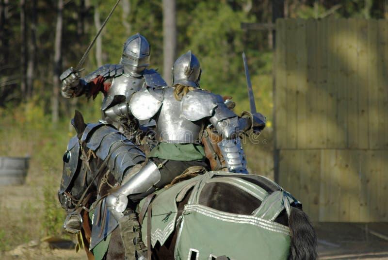chevaliers dans le combat image stock image du chevalier 7111649. Black Bedroom Furniture Sets. Home Design Ideas