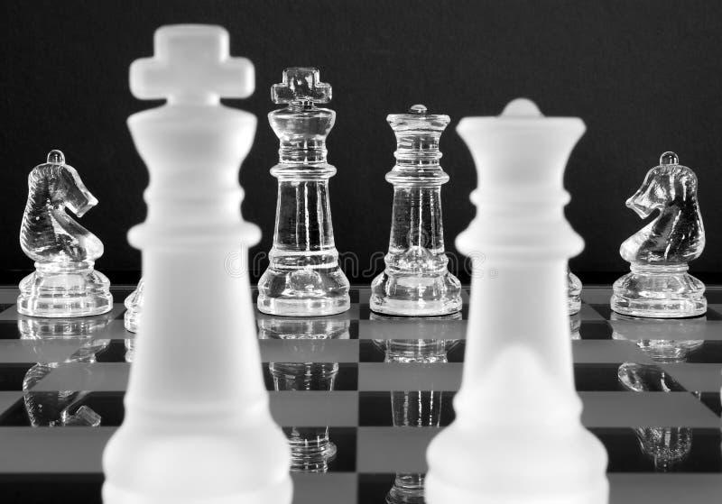 Chevaliers du Roi la Reine d'échecs photos stock