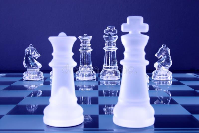 Chevaliers du Roi la Reine d'échecs images stock