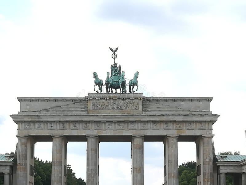 chevaux de berlins de porte de brandenburger image libre de droits