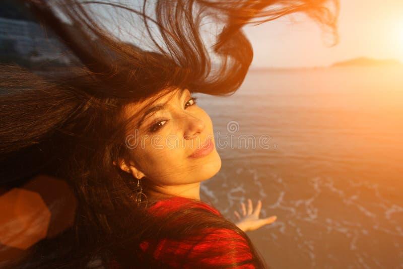 Cheveu heureux d'océan de femme images libres de droits
