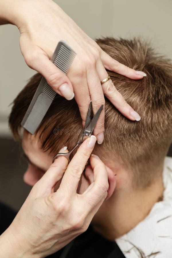 Cheveux de coupe photo stock