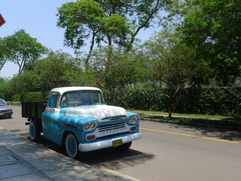 Chevrolet Apache Podnosi UP w San Isidro, Lima obraz royalty free
