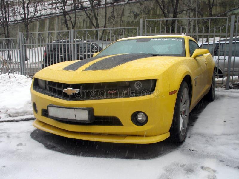 Chevrolet Camaro jaune images libres de droits