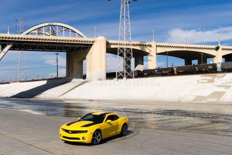 Chevrolet Camaro in Los Angeles-Fluss stockbilder