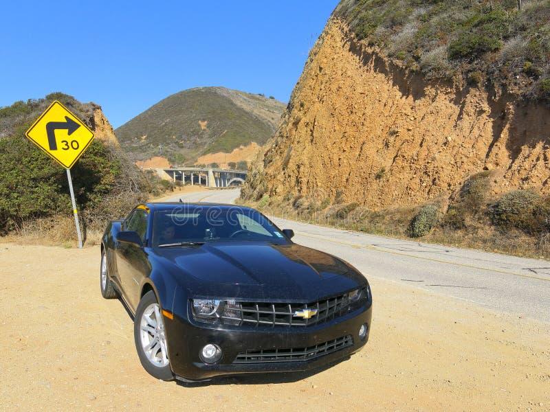 Chevrolet Camaro op weg A1 royalty-vrije stock foto's