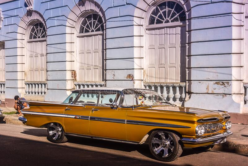 Chevrolet Impala, Cienfuegos, Cuba fotografia stock