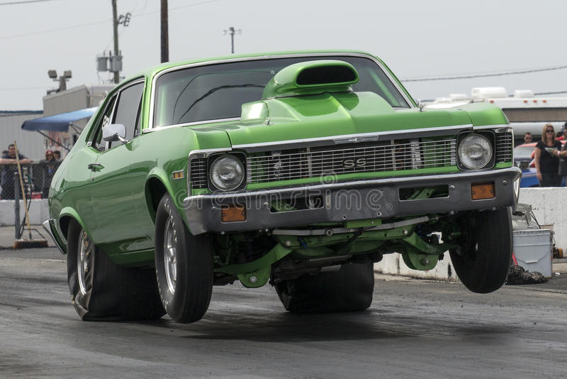 Chevrolet nowa wheelie obraz royalty free