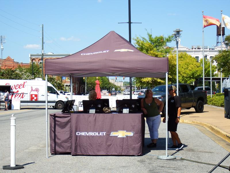 Chevrolet Test Drive Display Booth bij Buckmasters Archery Competition 8-17-19 in Montgomery, Alabama stock fotografie