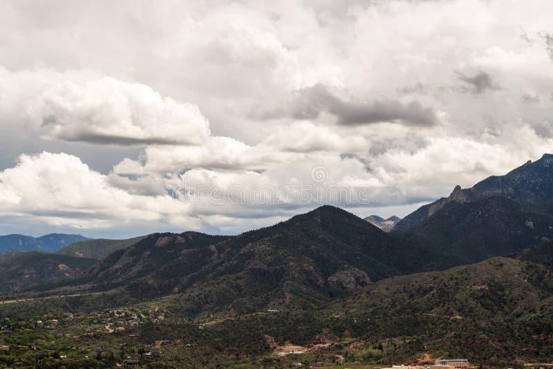 Cheyenne Mountain Range dans le Colorado photographie stock