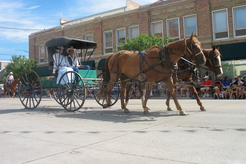 Cheyenne, Wyoming, usa - Lipiec 26-27, 2010: Parada w w centrum Cheye zdjęcie royalty free