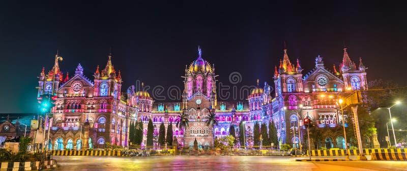 Chhatrapati Shivaji Maharaj Terminus, um local do patrimônio mundial do UNESCO em Mumbai, Índia fotografia de stock