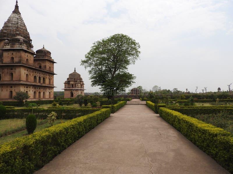 Chhatri, día claro, Orchha, Madhya Pradesh, la India imágenes de archivo libres de regalías