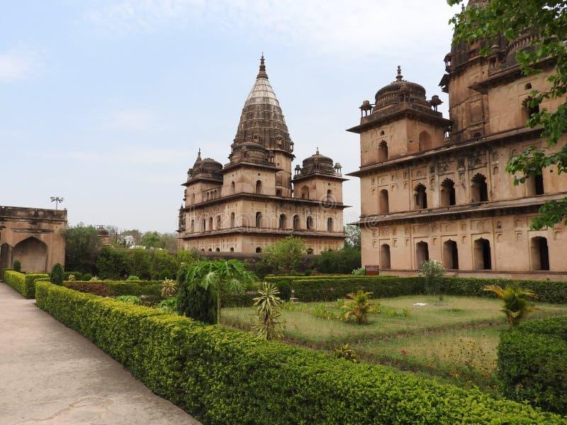 Chhatri, día claro, Orchha, Madhya Pradesh, la India foto de archivo libre de regalías