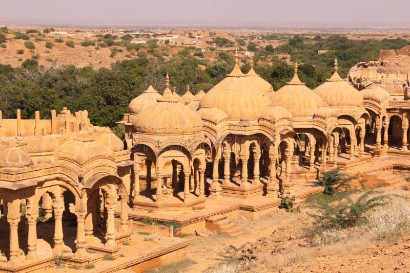Chhatris real o cenotafio de Bada Bagh fotos de archivo libres de regalías