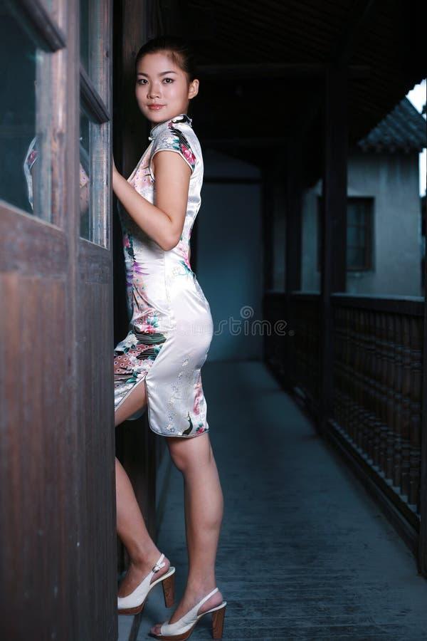 chińczycy dziewczyny smokingowa tradycja zdjęcia royalty free