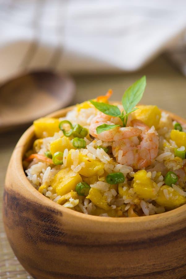 Chińczyk smażył ryż lub nasi goreng popularnego cusine w Asia, obraz royalty free