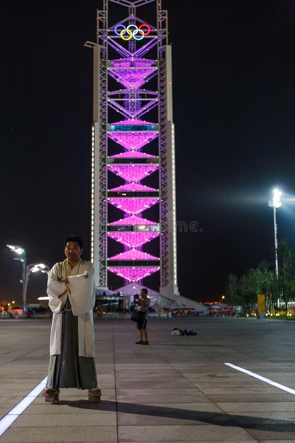chińczyka sukni mężczyzna olimpijski basztowy tradycyjny zdjęcia stock