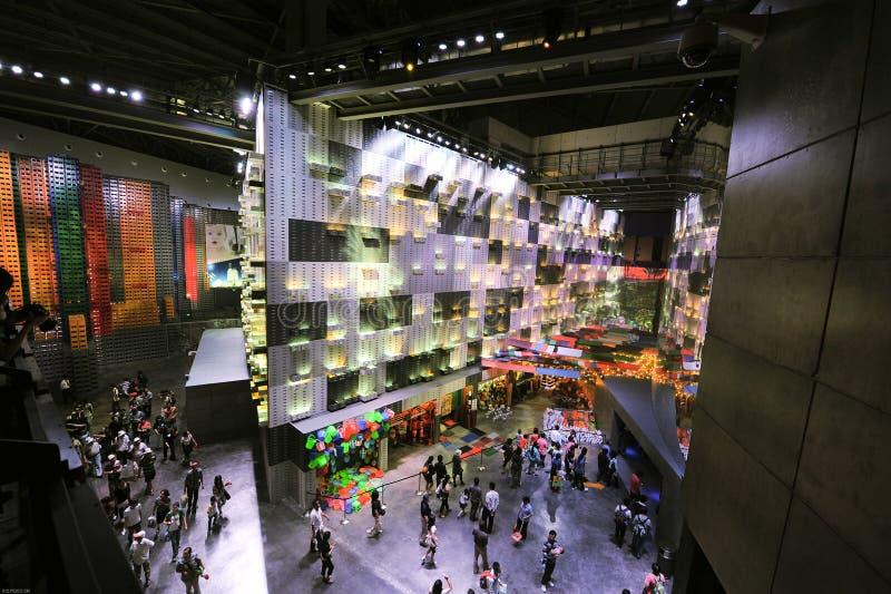 Chińscy expo Szanghaj miasta pawilonu 2010 ludzie fotografia stock