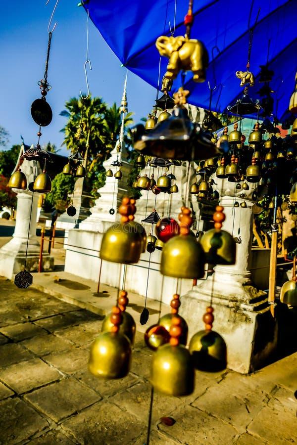 chińscy lampiony w świątyni, cyfrowy fotografia obrazek jako tło obraz royalty free