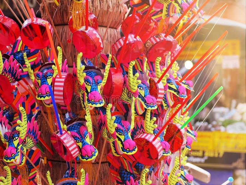 Chińscy nowego roku ` s smoki bawją się w Chinatown Bangkok zdjęcie stock