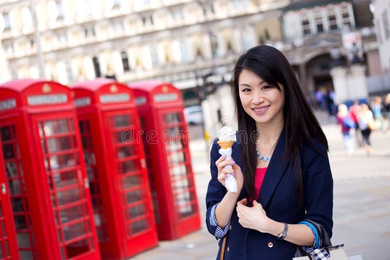 Chińska dziewczyna w Londyn zdjęcie royalty free