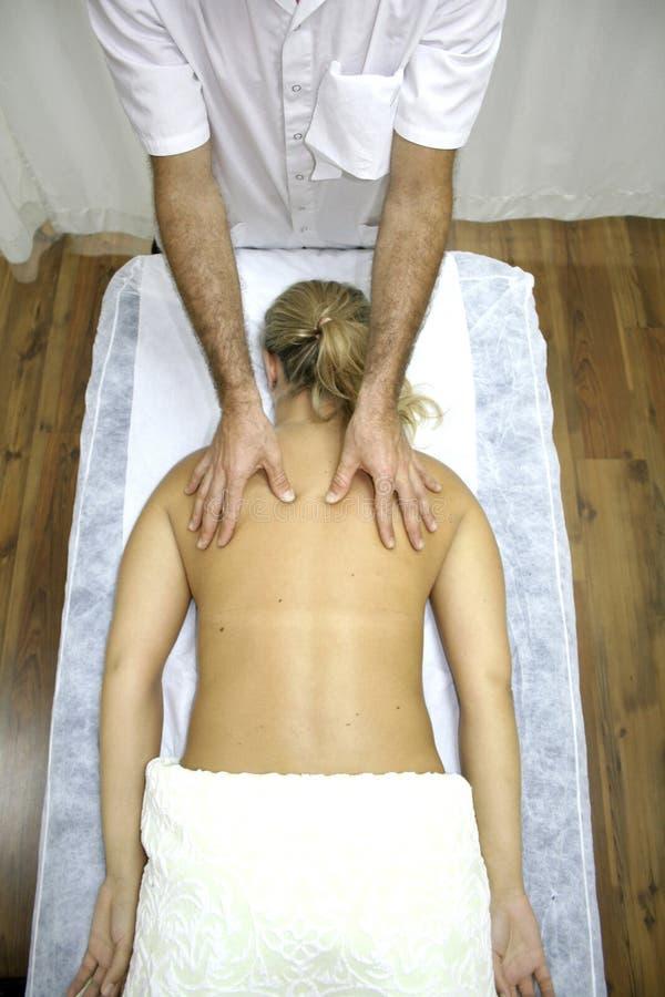 - chińska kobieta masaż. zdjęcie stock