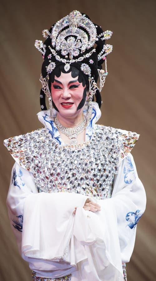 Chińska opera wykonująca na scenie przy Yaowarat aug 12, 2015 w Bangkok zdjęcie stock