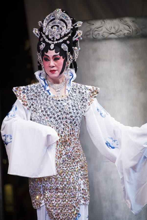 Chińska opera wykonująca na scenie przy Yaowarat aug 12, 2015 w półdupkach obraz stock