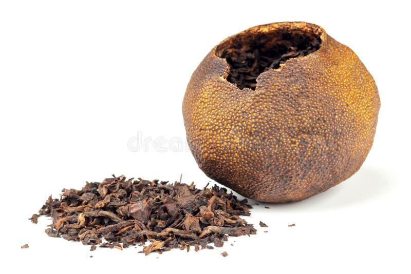 Chiński czarnej herbaty Pu pakujący w mandarynce obraz stock