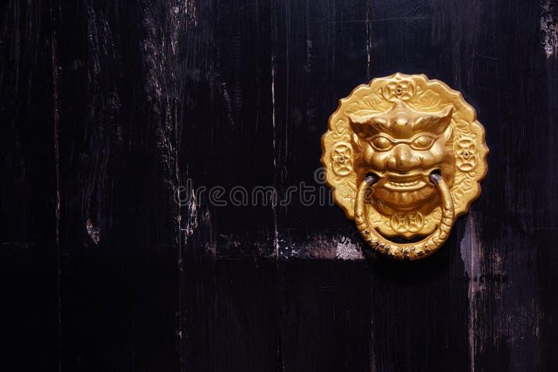 Chiński drzwiowy knocker zdjęcia royalty free