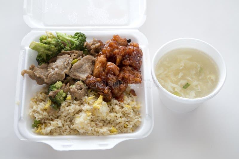 Chiński fast food z polewką obrazy stock