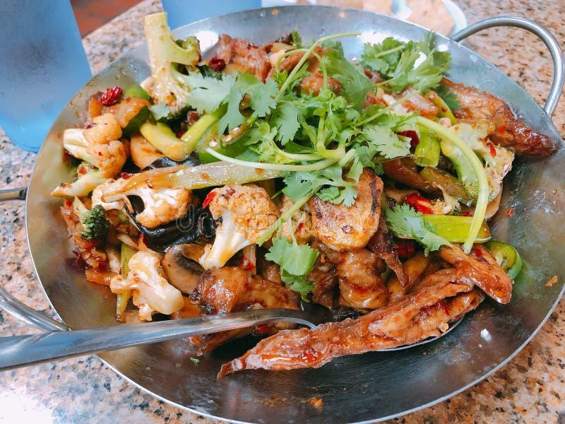 Chiński jedzenie, Griddle Gotował wieprzowiny jelito fotografia royalty free