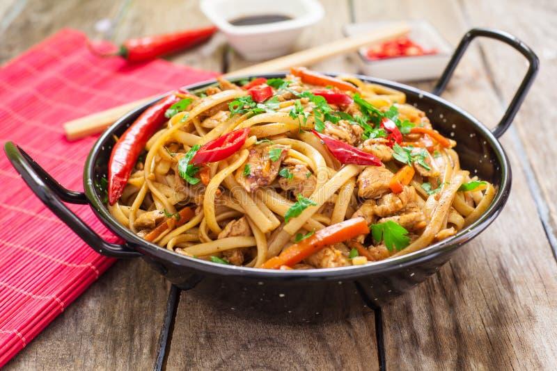 Chiński jedzenie na wok zdjęcia royalty free