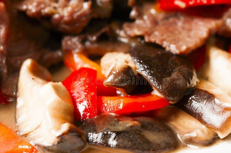 Chiński Jedzenie--Pieczarka I Wołowina Obrazy Stock