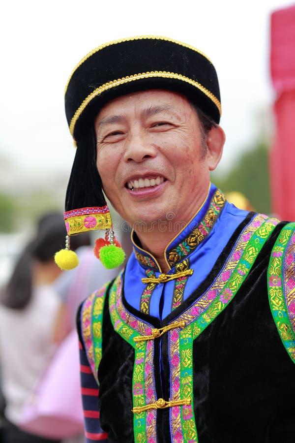 Chiński krajowy mniejszościowy męski stary człowiek fotografia stock