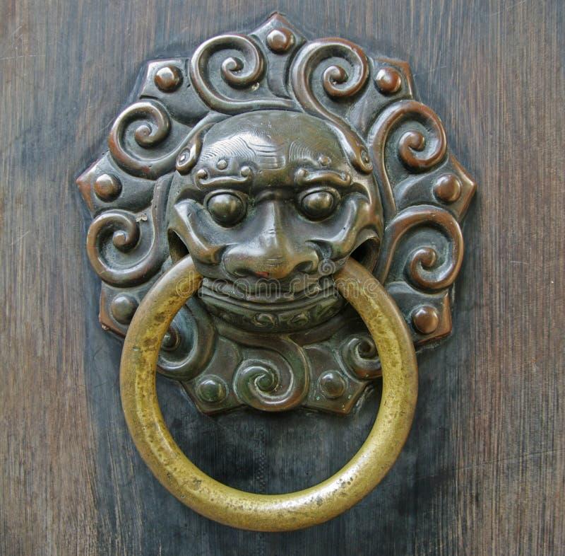 Chiński lwa doorhandle zdjęcie royalty free