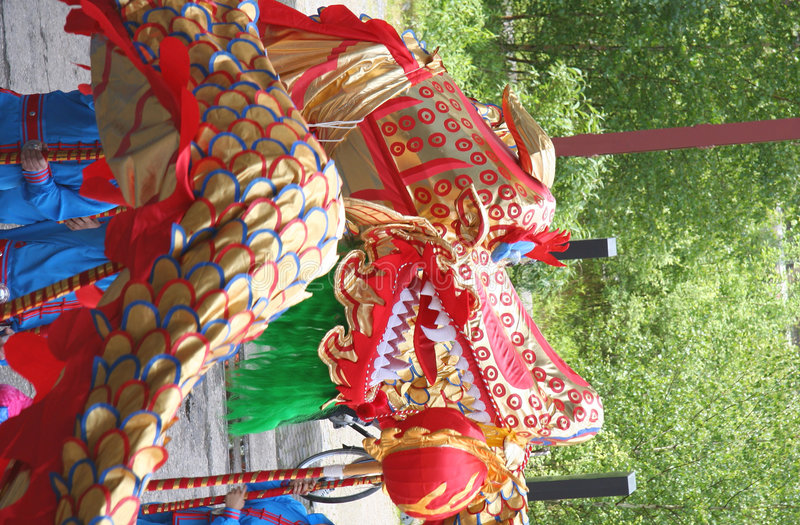 chiński smok tańca obrazy royalty free
